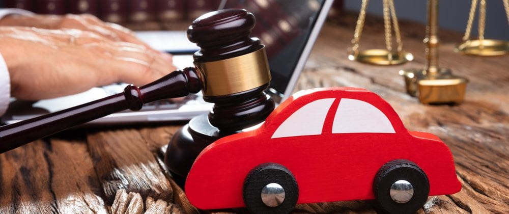 Why Call an Auto Accident Lawyer Before Your Insurance Company?